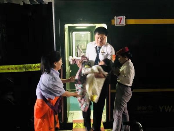 列车温情服务助力残疾旅客回家路